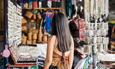 young-woman-traveler-at-ubud-market-in-bali